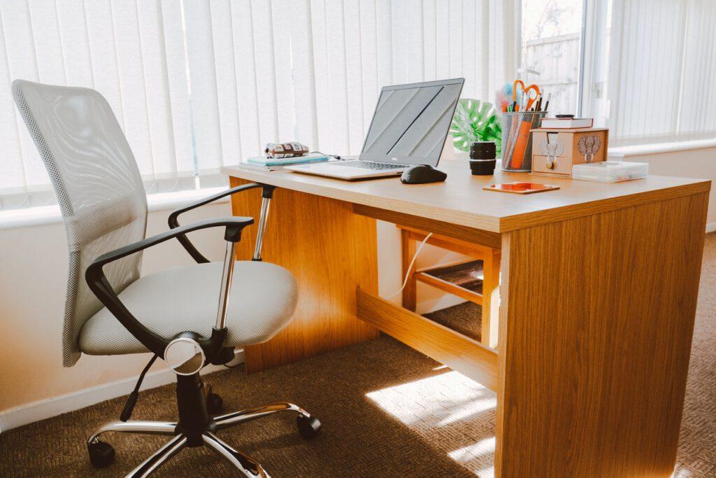 Tweedehands kantoormeubelen
